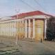 <p>Троллейбусные провода уходят в сторону речного вокзала</p> <p>Т. Бакман. Фотоальбом «Саратов». Фабрика «Детская книга», М., 1967 г.</p>